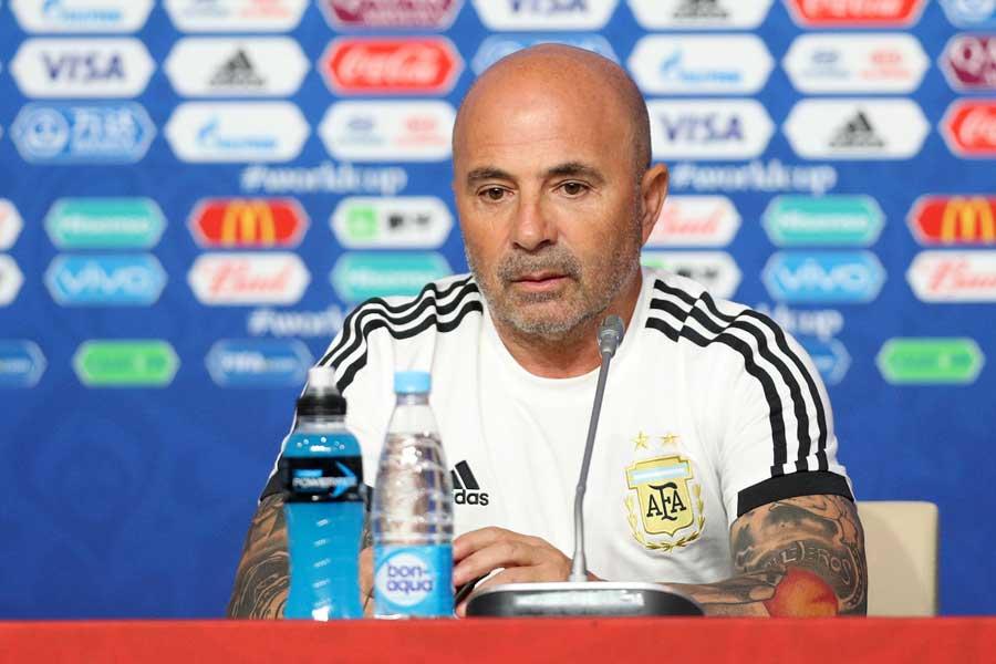 サンパオリ監督は試合後の記者会見で「レオは世界で最高だ!」と激賞している【写真:Getty Images】