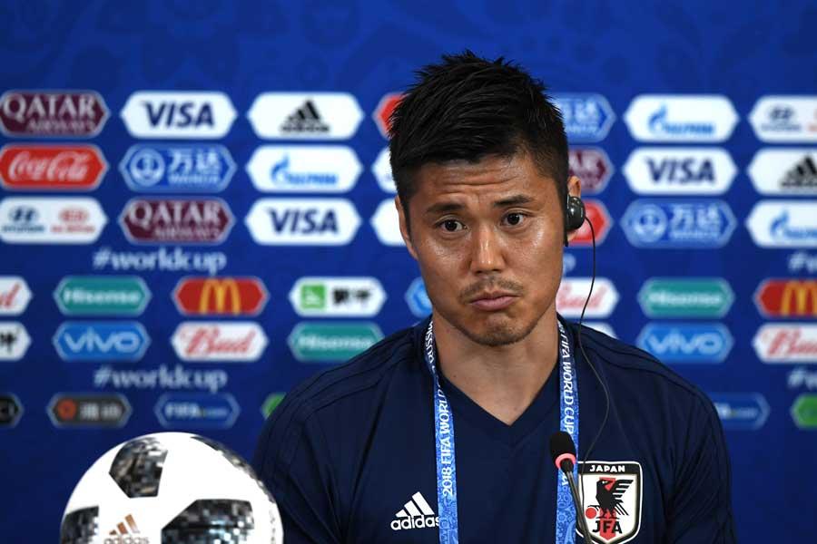 日本人サポーターがゴミ拾いする姿に川島も絶賛している【写真:Getty Images】