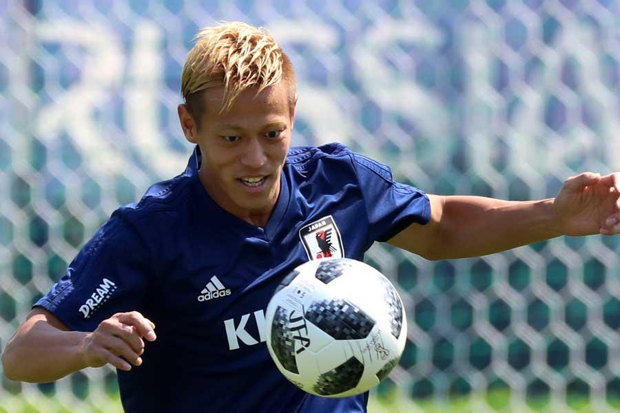 日本代表の本田は、16強ベルギー戦勝利に自信を漲らせた【写真:AP】