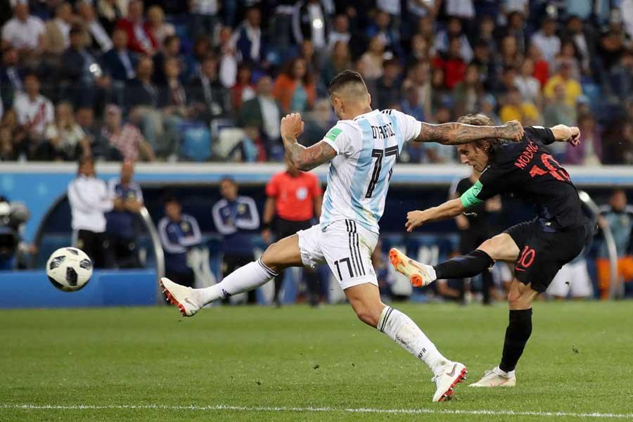 モドリッチが強豪アルゼンチンを打ち砕く強烈なミドルシュートを炸裂【写真:Getty Images】