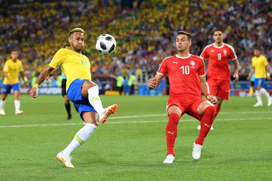 サッカー王国ブラジル、グループ首位通過にむけ後半へ折り返す【写真:Getty Images】