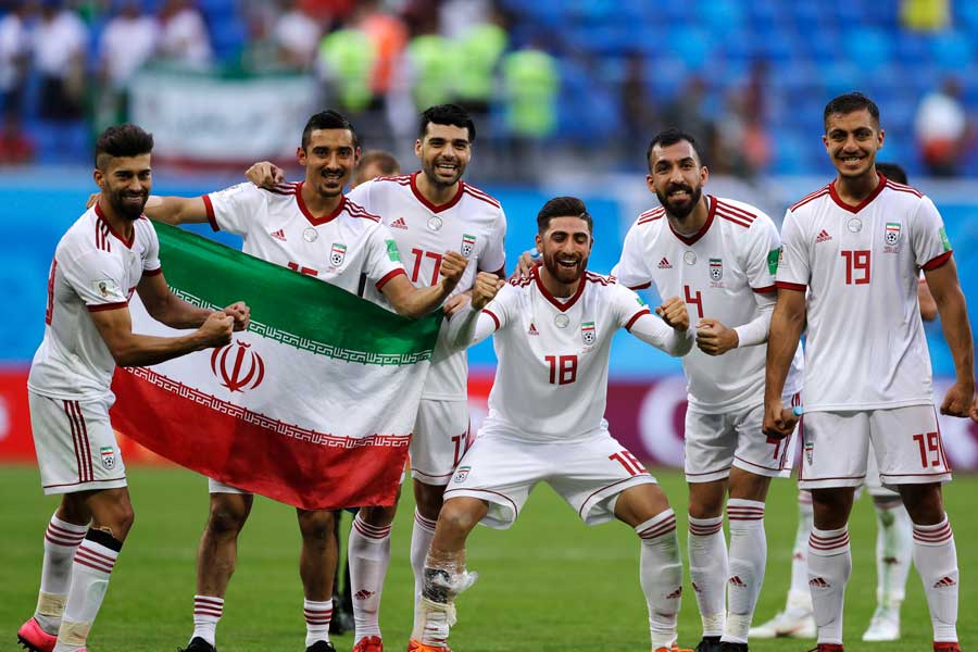 W杯でアジア勢として8年ぶり、そして同国で20年ぶりとなる白星を手にしたイラン代表【写真:AP】