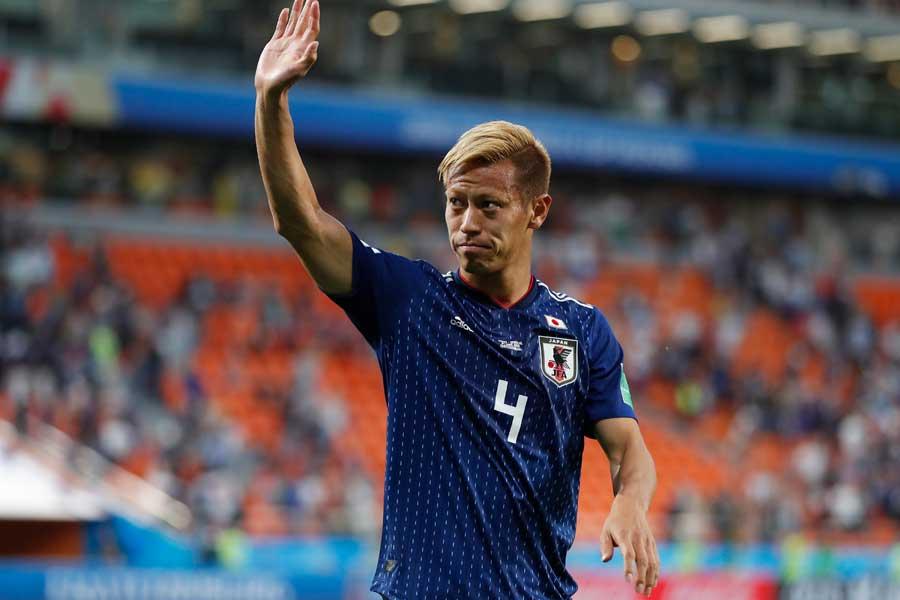 本田が2014年ブラジルW杯からの変化を明かした【写真:AP】