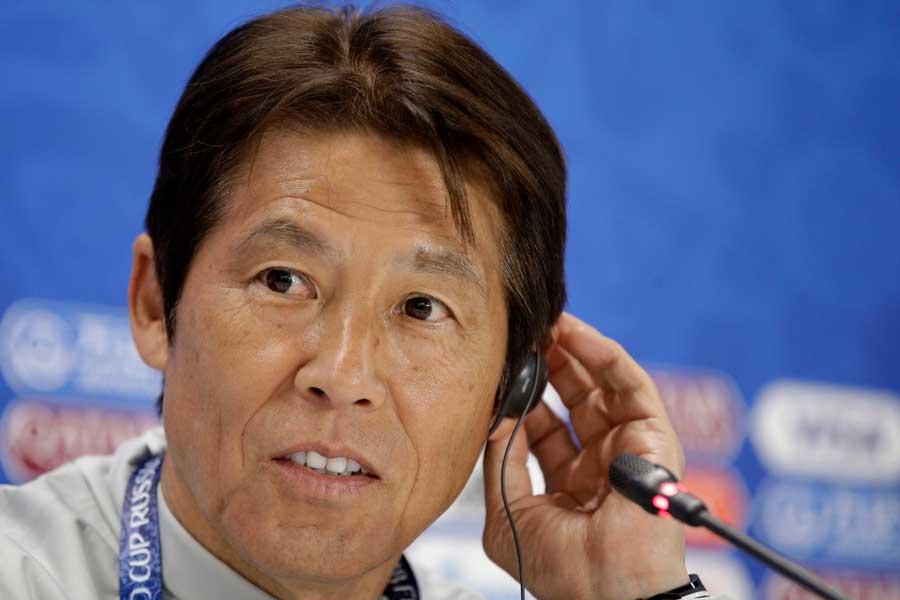 """西野朗監督が試合前日の記者会見で言及した""""マネ対策""""が海外メディアの注目を集めている【写真:AP】"""