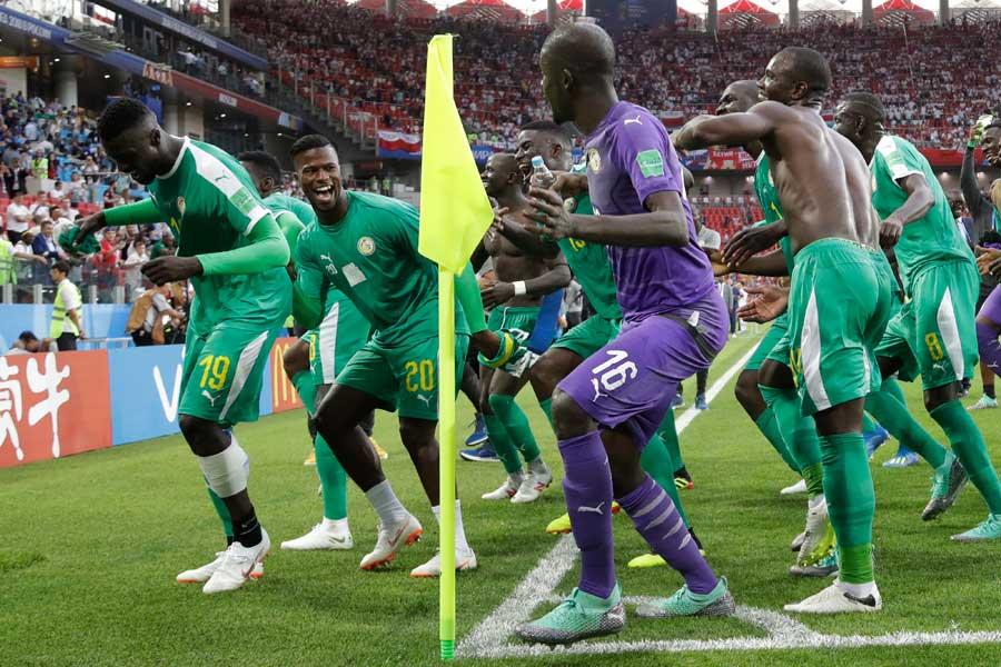 ロシア大会でアフリカ勢初の勝利を手にしたセネガル代表【写真:AP】