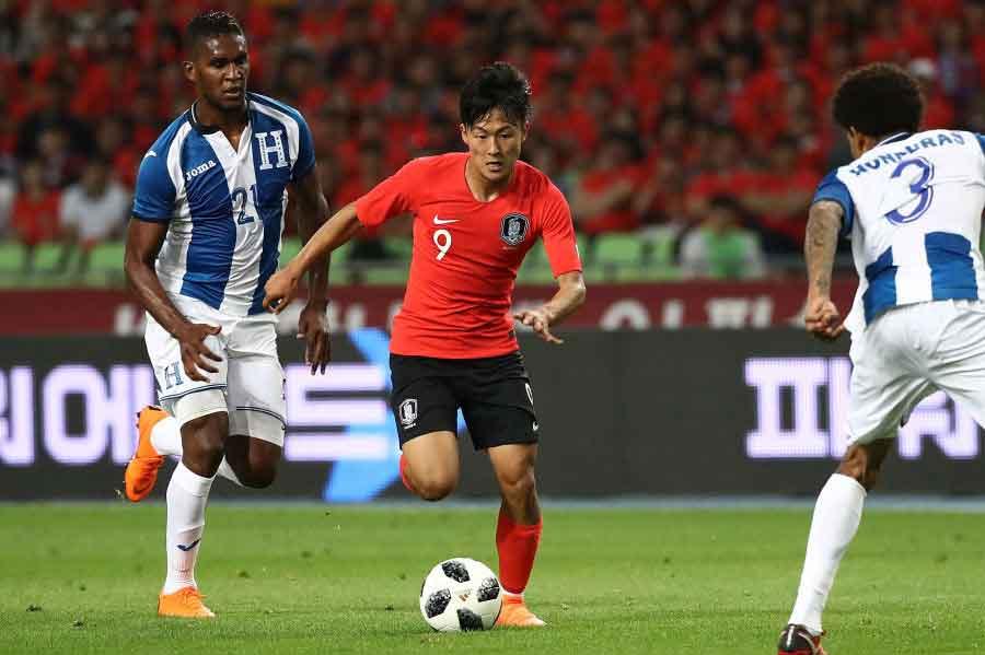 韓国代表の新10番イ・スンウをFC東京のチャン・ヒョンスが高く評価している【写真:Getty Images】
