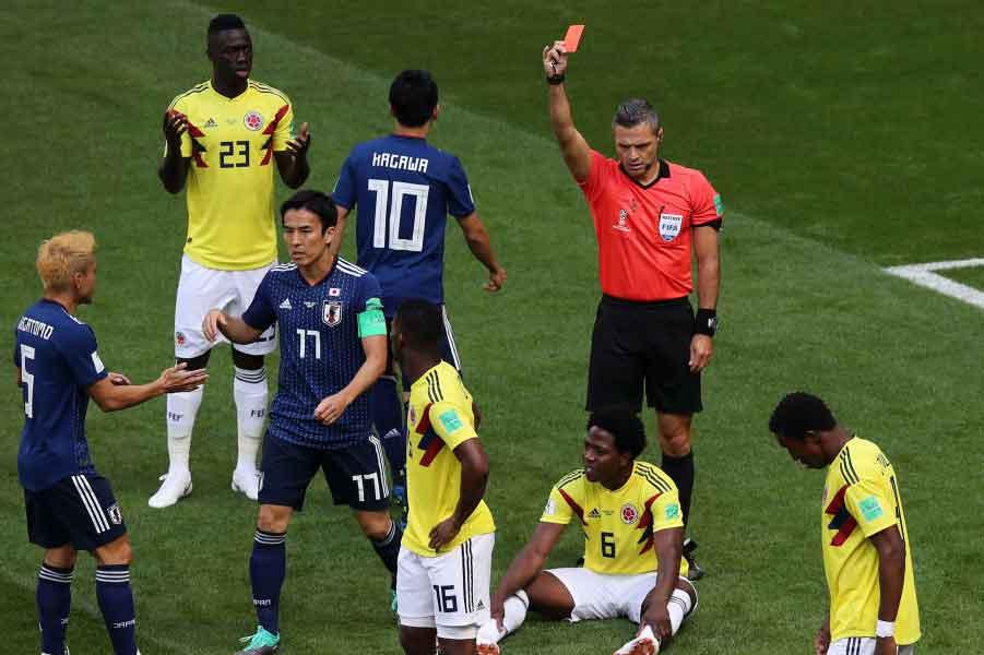 コロンビア代表MFサンチェスは、W杯史上2番目のスピード退場となった【写真:Getty Images】