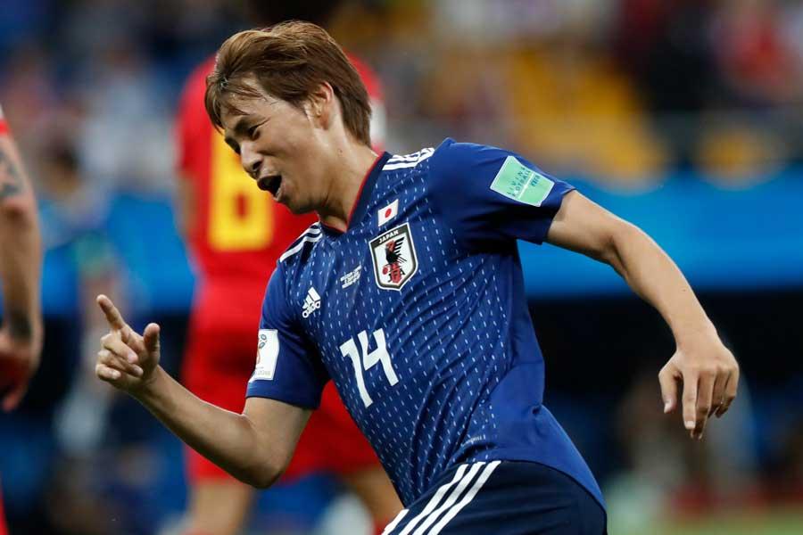 世界的名手のクルトワも及ばなかったスーパーゴールで、乾はW杯にその名を刻んだ【写真:AP】