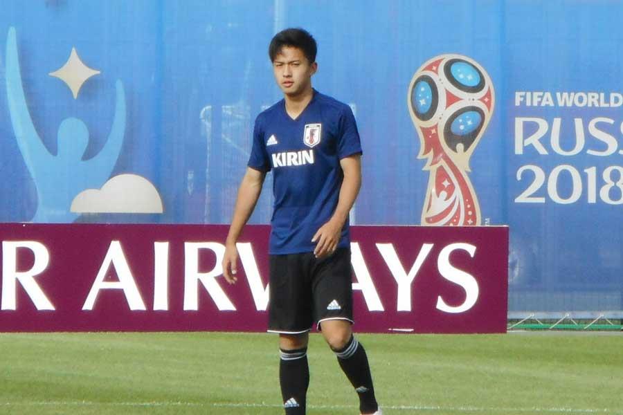 安部は、日本代表メンバーのなかで感銘を受けた選手がいると告白した【写真:Football ZONE web】
