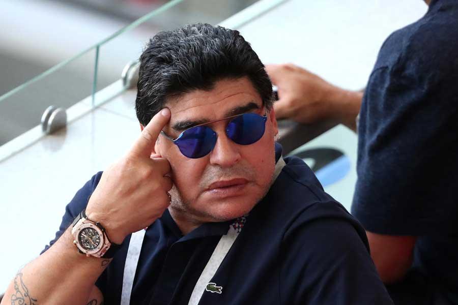 マラドーナ氏が審判を痛烈批判し物議を醸した【写真:Getty Images】