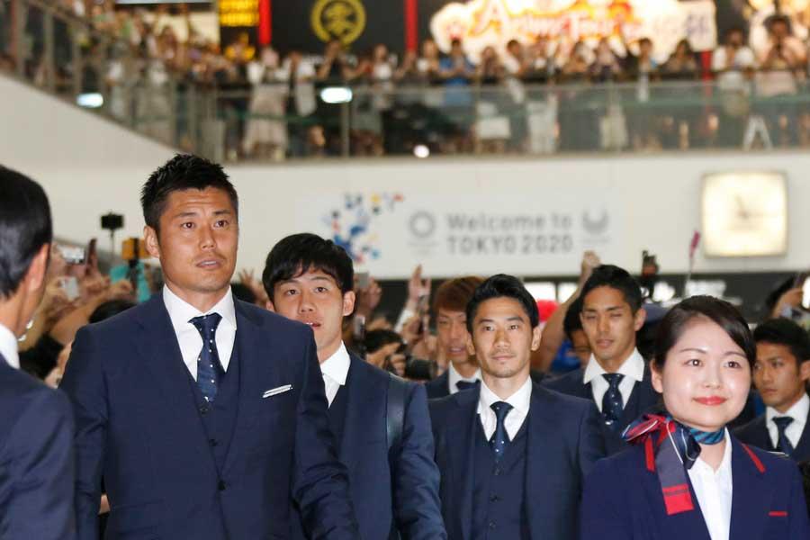 海外メディアも日本代表の凱旋模様を紹介している【写真:AP】