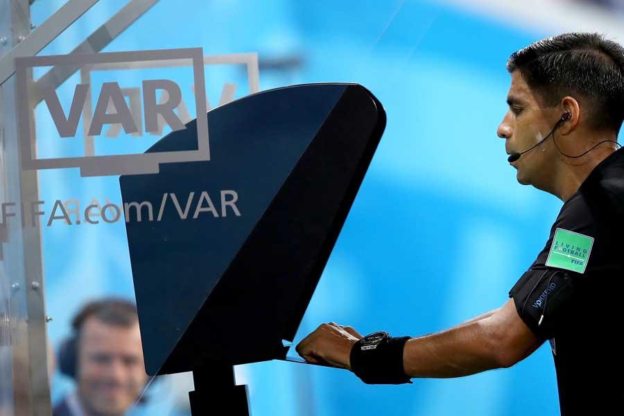 W杯で初導入されたVAR【写真:Getty Images】