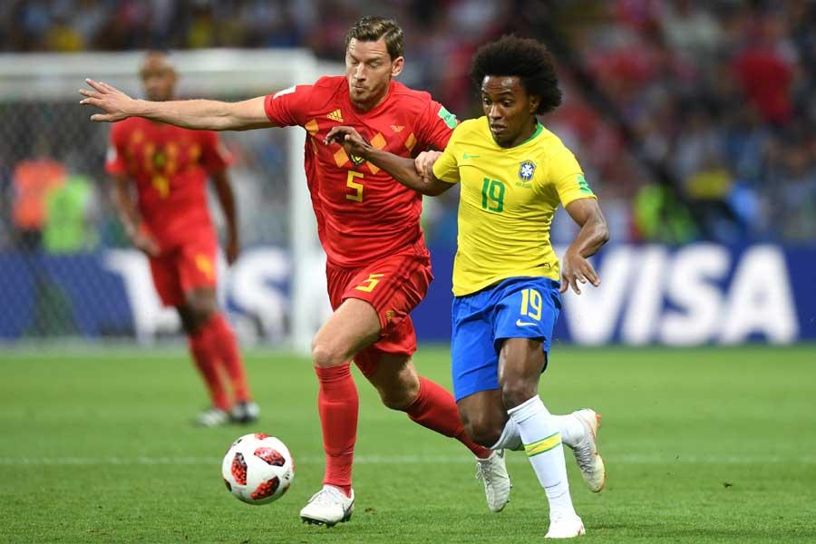 フェルトンゲンはマッチアップしたウィリアンを封じ込み、見事にブラジルの攻撃の芽を摘んだ【写真:Getty Images】