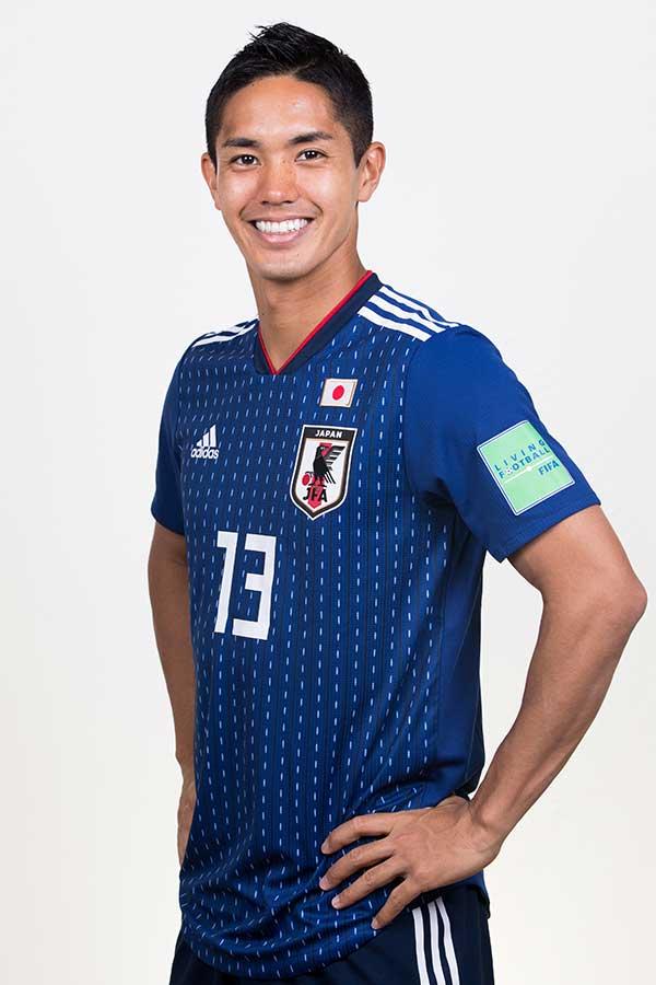 武藤はW杯から帰国後、サッカー教室で子供たちと交流【写真:Getty Images】