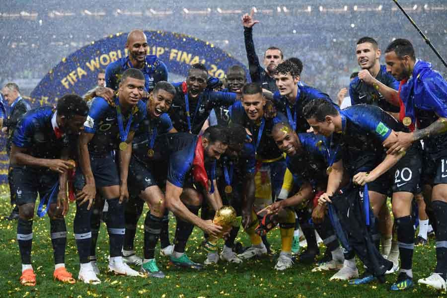 各国の賞金額が決定したが、優勝国フランスは42億7000万円が与えられる【写真:Getty Images】
