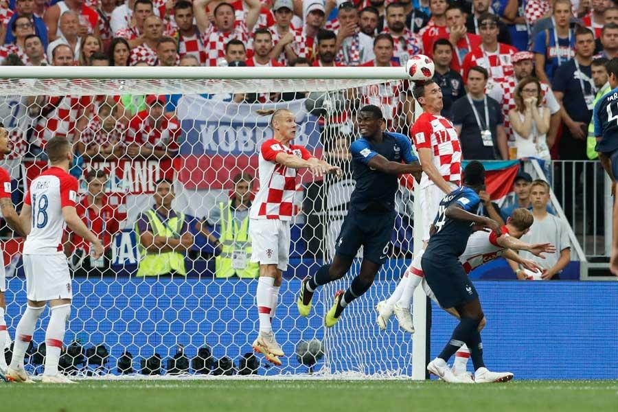 フランス代表がマンジュキッチのオウンゴールで先制した【写真:AP】