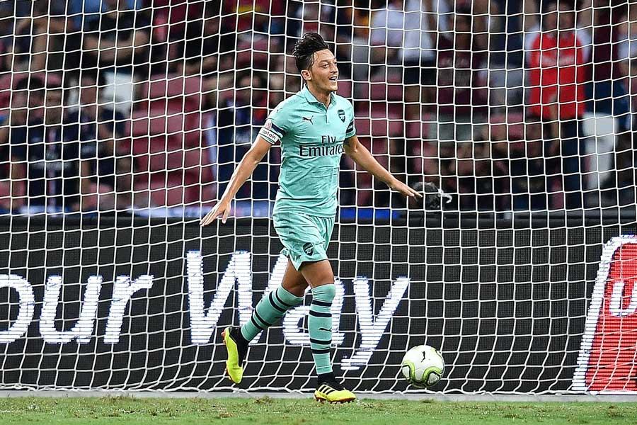 PSG戦で先制ゴールを挙げたエジル【写真:Getty Images】