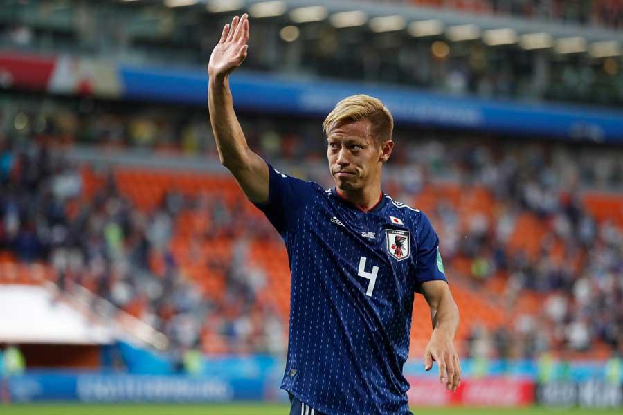 「ワールドカップ後に代表チームから引退した8人の象徴的なフットボーラー」特集に本田圭佑が取り上げられている【写真:AP】