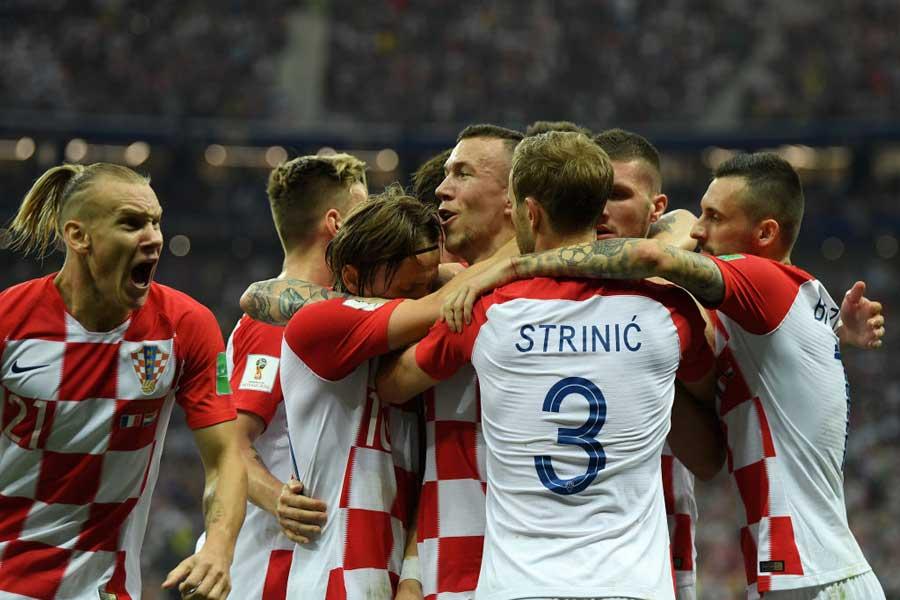 W杯で準優勝と躍進したクロアチア代表、特にDFドマゴイ・ヴィダ(左)へのオファーが殺到しているようだ【写真:Getty Images】