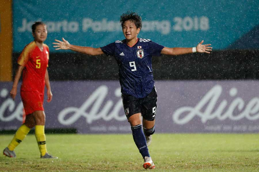 アジア大会決勝で、日本女子は中国を1-0で下し金メダルを獲得した【写真:AP】