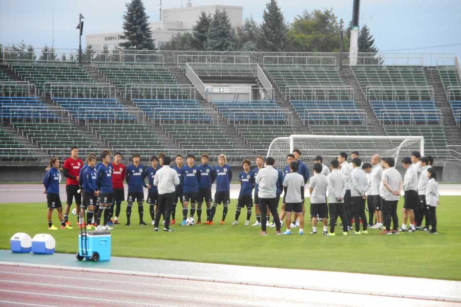 日本代表、合宿2日目で早くも課題露呈…?【写真:Football ZONE web】