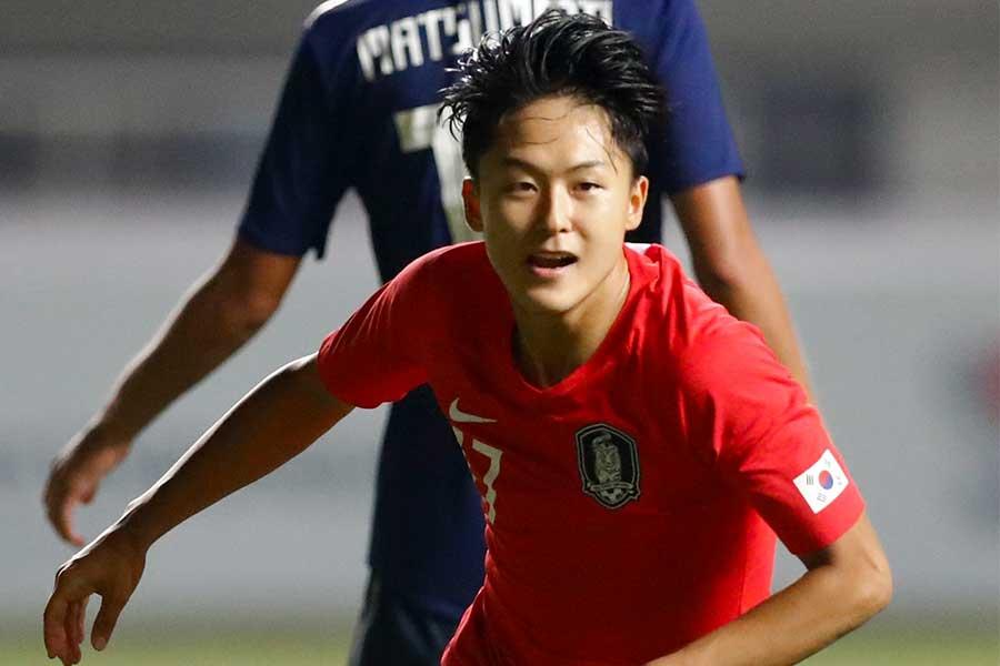日本との決勝戦で先制ゴールを決めたFWイ・スンウ【写真:AP】