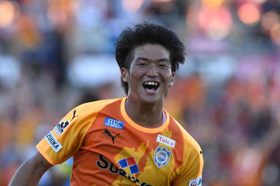 4試合連続ゴールを決めた清水エスパルスFW北川【写真:Getty Images】