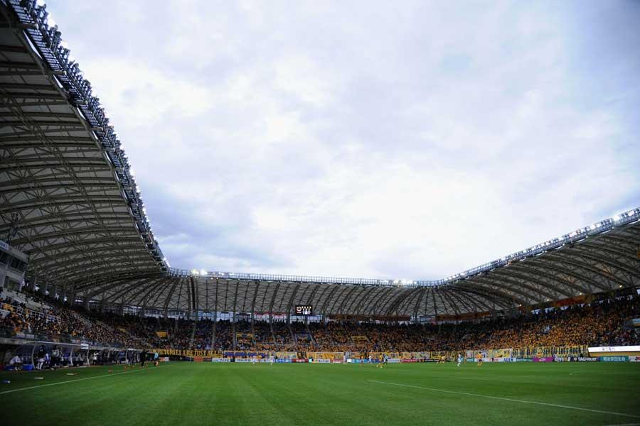 ベガルタ仙台対サガン鳥栖は、試合が一時中断となっている【写真:Getty Images】