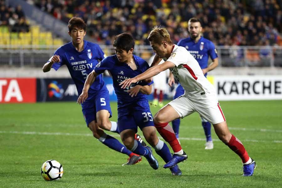 日韓クラブの壮絶な打ち合いに韓国メディアも感銘を受けたようだ【写真:Getty Images】