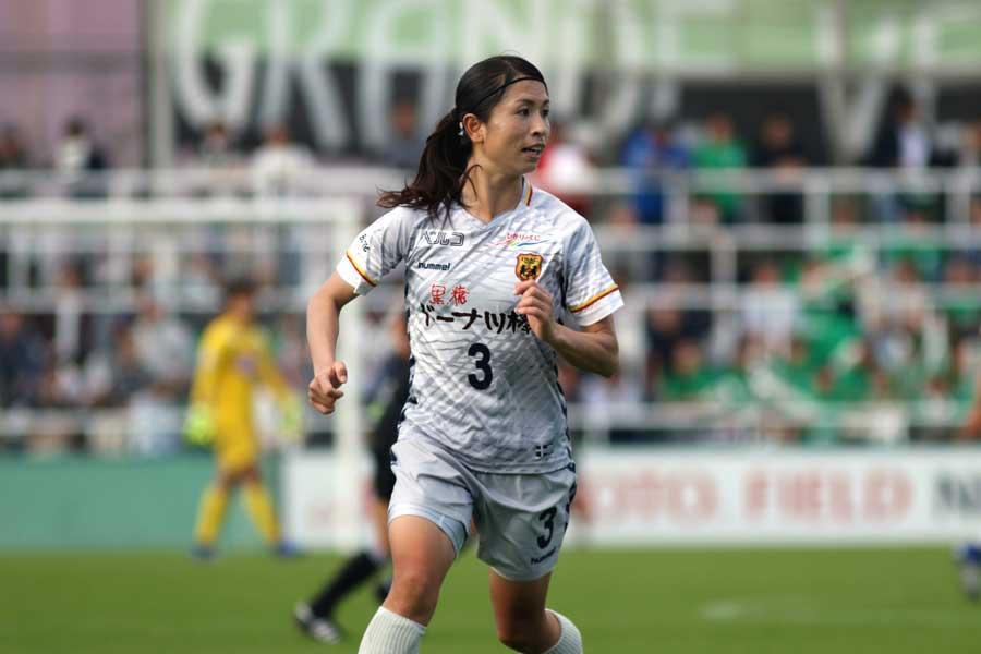 INAC神戸レオネッサのDF鮫島彩【写真:Football ZONE web】