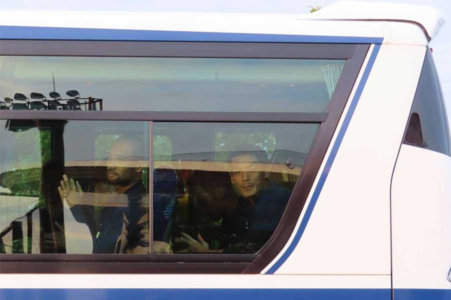 """代表チームの移動バスで栄光の""""キングシート""""には、DF槙野智章が陣取っていた【写真:Football ZONE web】"""
