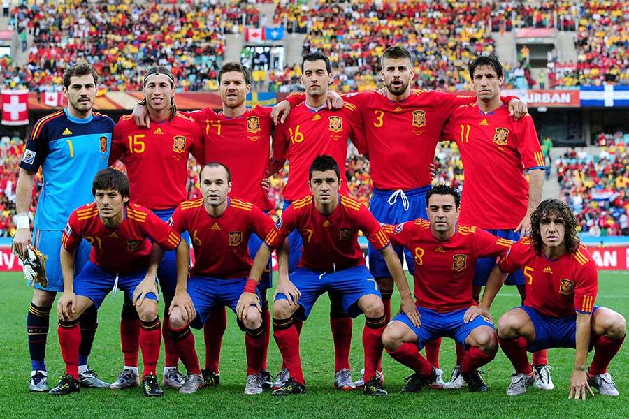バルサとマドリー間の緊張感は、スペイン代表にも悪影響を及ぼしたという【写真:Getty Images】
