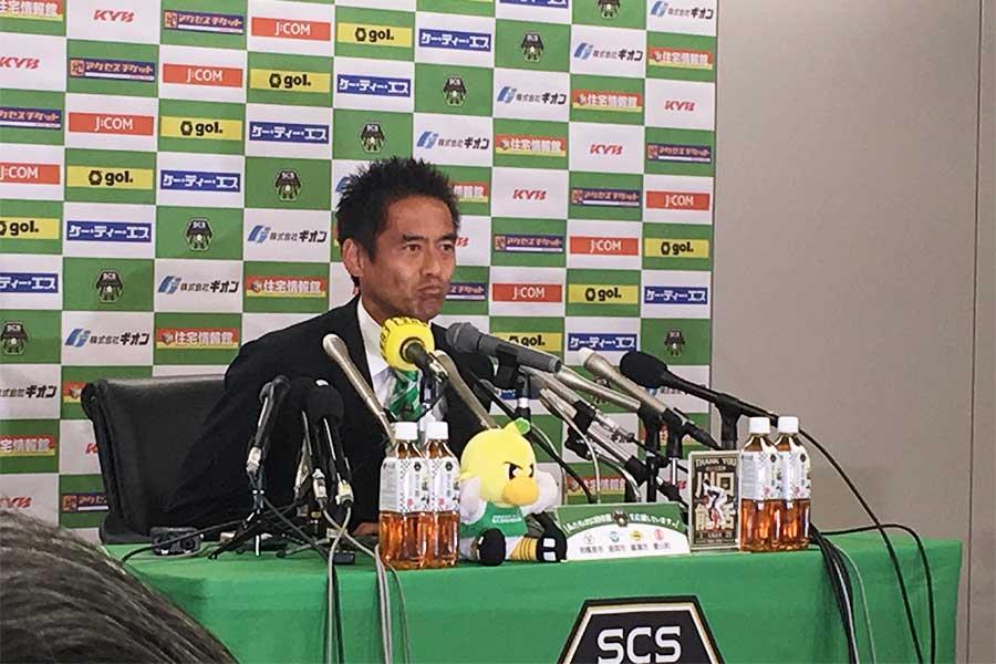 引退記者会見に臨んだ川口能活【写真:Football ZONE web】
