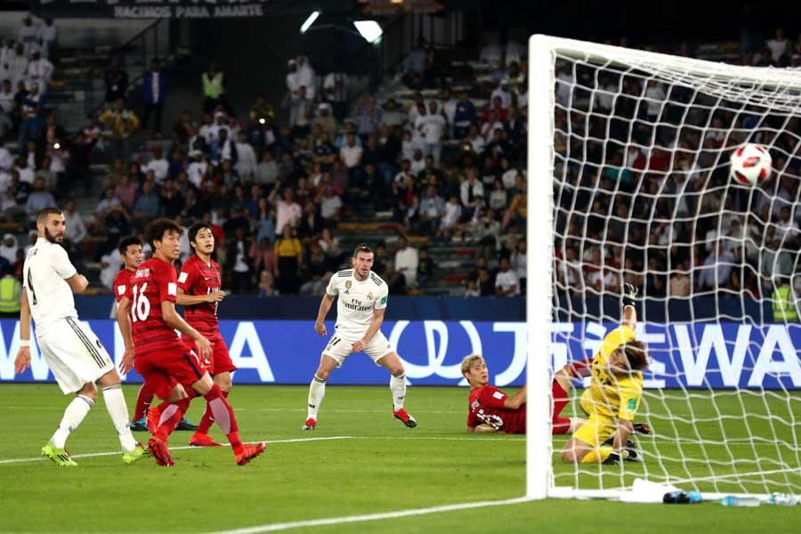 アジア王者の鹿島アントラーズは、CWC準決勝で欧州王者レアル・マドリードに1-3で敗れた【写真:Getty Images】