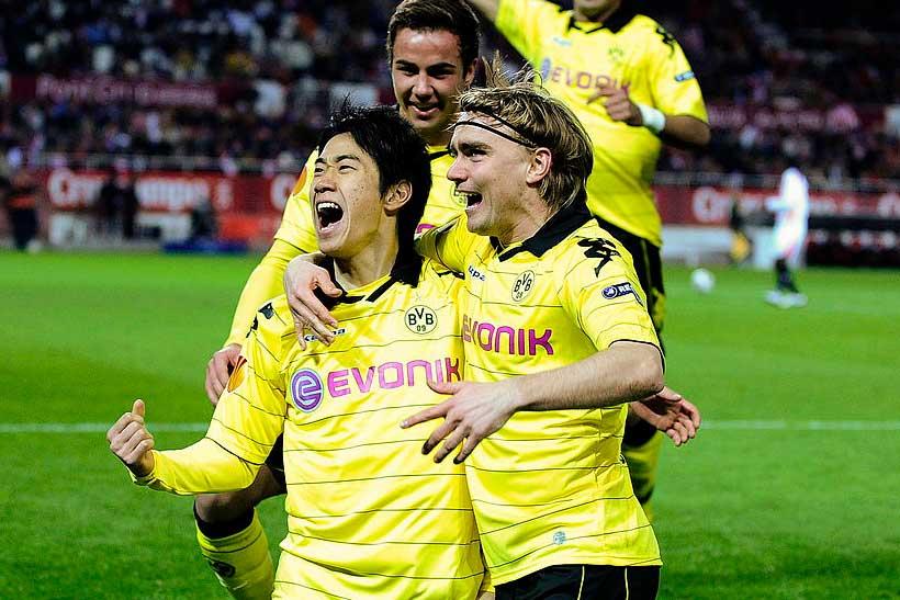ブンデスリーガ1年目で18試合8ゴールと結果を残した香川【写真:Getty Images】