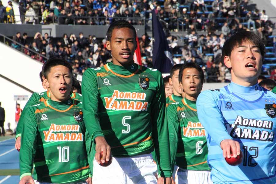 青森山田は6得点のゴールラッシュで3回戦進出を決めた【写真:Football ZONE web】