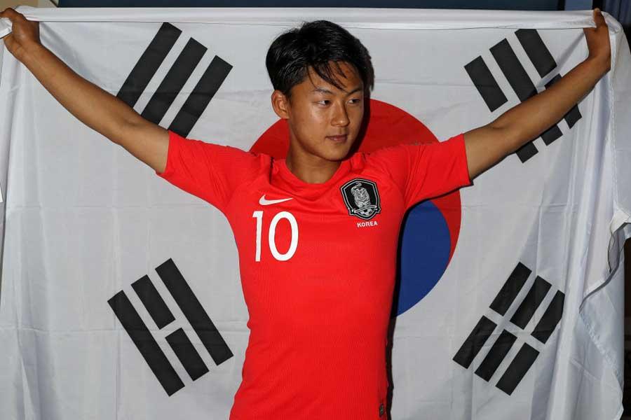 韓国代表のMFイ・スンウ【写真:Getty Images】