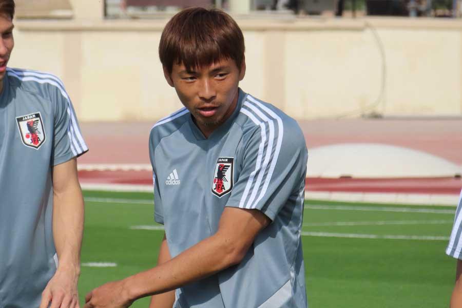 MF乾は、アジア杯初戦をピッチ外からどう見ていたのだろうか【写真:Football ZONE web】