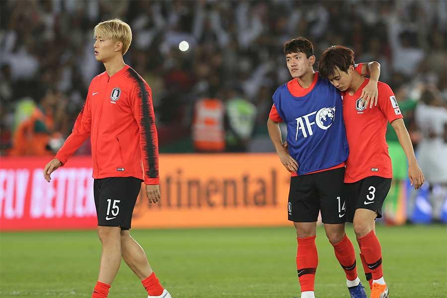 韓国がアジアカップ準々決勝でカタールに0-1で敗れた【写真:AP】