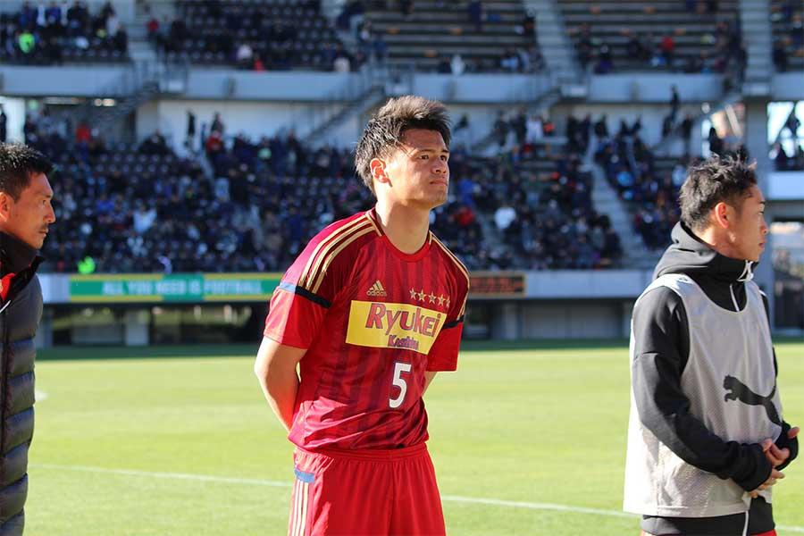 徳島市立に逆転勝利もDF関川郁万には一切笑顔はなかった【写真:Football ZONE web】