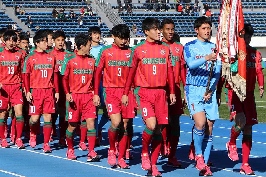 尚志が東福岡に2-0で快勝し3回戦へ駒を進めた【写真:Football ZONE web】