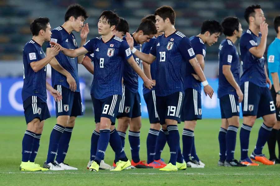 残り1試合を残して決勝トーナメント進出を決めた日本代表【写真:AP】