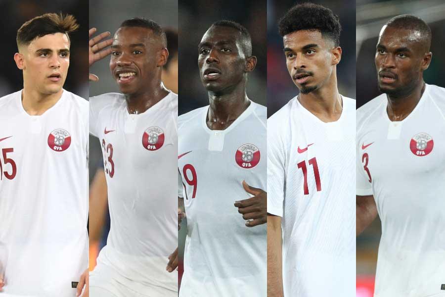 (左から)カタール代表DFアルラウィ、MFマディボ、FWアリ、FWアフィフ、DFハサン【写真:ⒸAFC】