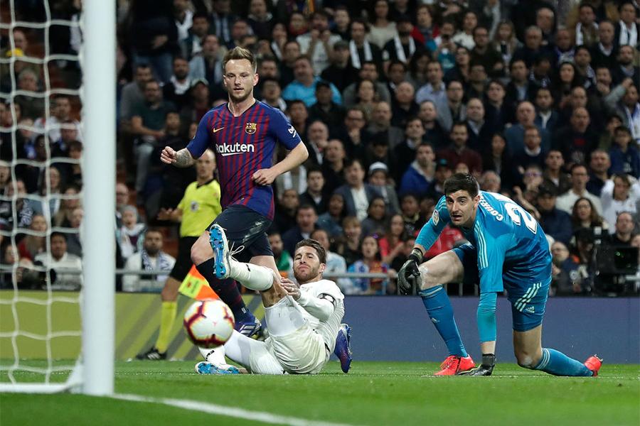 ラキティッチのゴールでバルセロナがレアルに勝利【写真:Getty Images】
