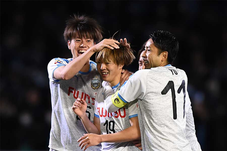 途中出場のMF齋藤学が決勝ゴールを挙げた【写真:Getty Images】