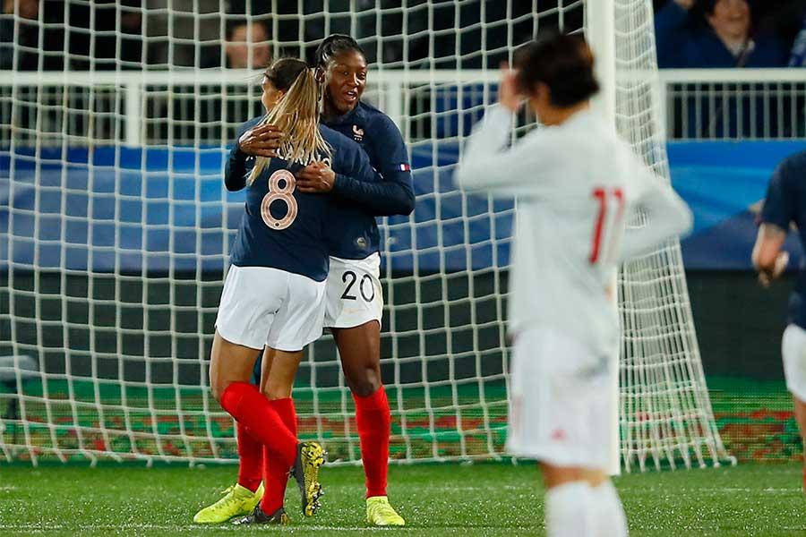 なでしこジャパンは、フランスと国際親善試合を行い、1-3で敗れた【写真:AP】