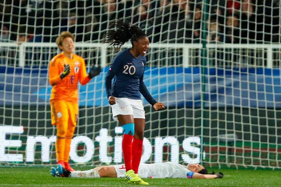 なでしこジャパン、女子W杯開催国フランスに1-3で敗れた【写真:AP】