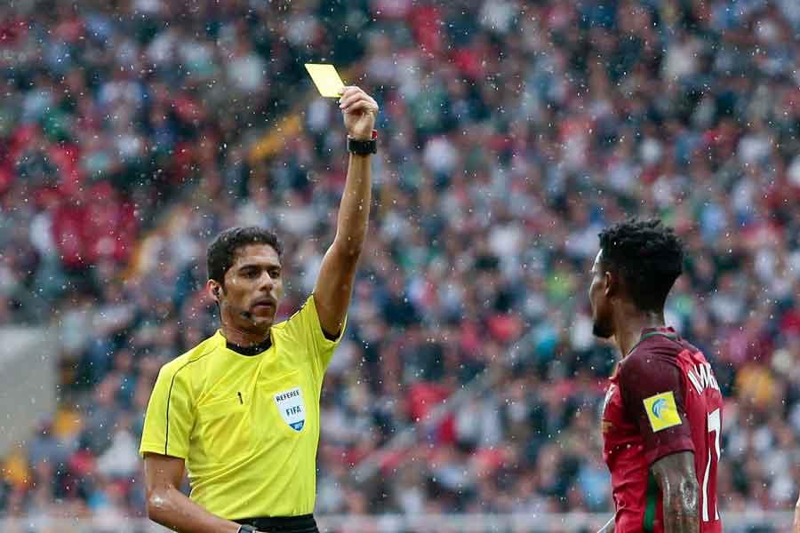 FIFAは、W杯の審判団からサウジアラビア人のファハド・アルミルダシ氏を除外した【写真:AP】