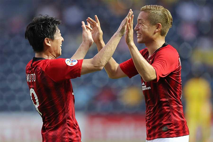 武藤(左)の決勝ゴールで浦和が2-1勝利【写真:Getty Images】