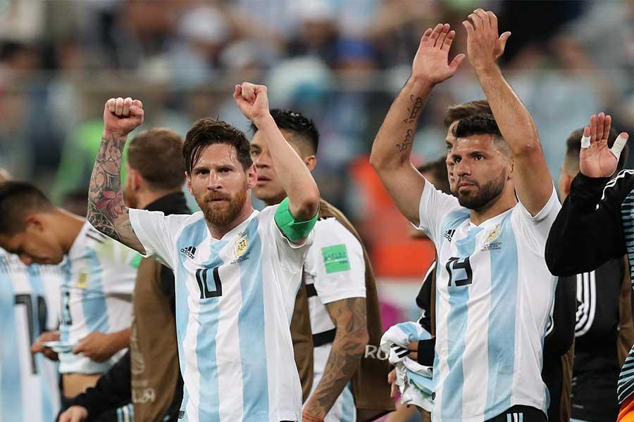 コパ・アメリカに挑むアルゼンチン代表23人が発表された。メッシ(左)、アグエロが招集された一方、数々の実力者が選出外となった【写真:Getty Images】